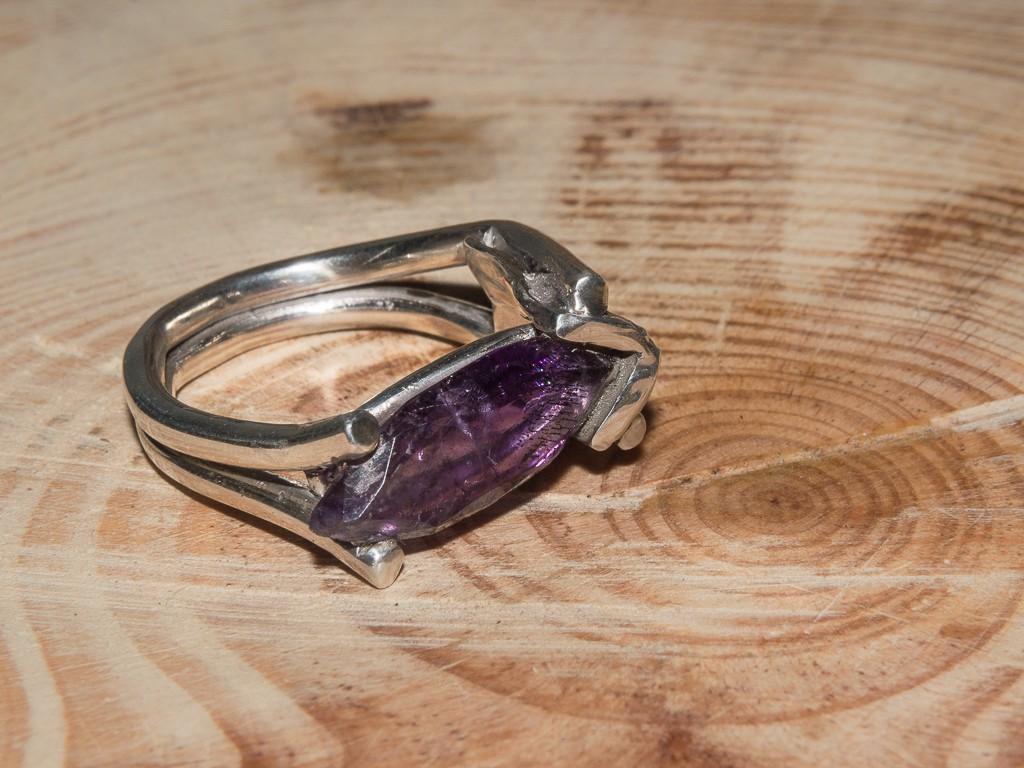 el-trebol-de-4-joyeria-de-autor-anillo-amatista-1