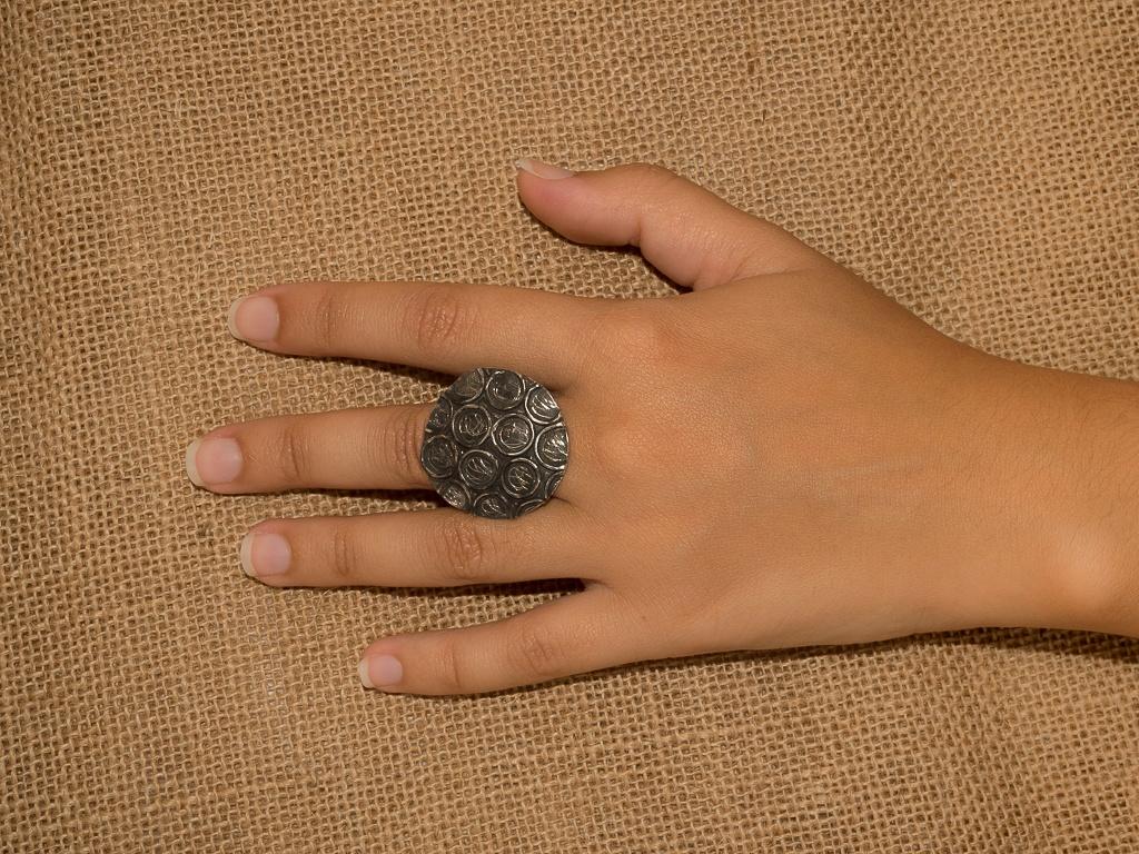 el-trebol-de-4-joyas-de-autor-anillo-modelo-lunares