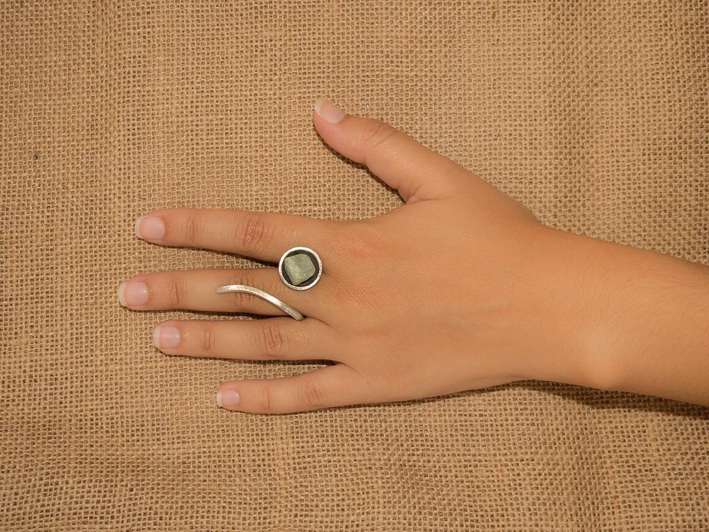 el-trebol-de-4-joyeria-de-autor-anillo-modelo-cuenco