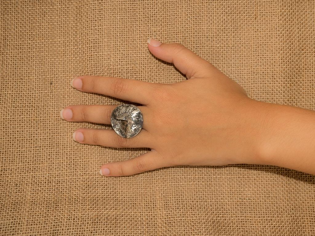 el-trebol-de-4-joyeria-de-autor-anillo-modelo-relieves