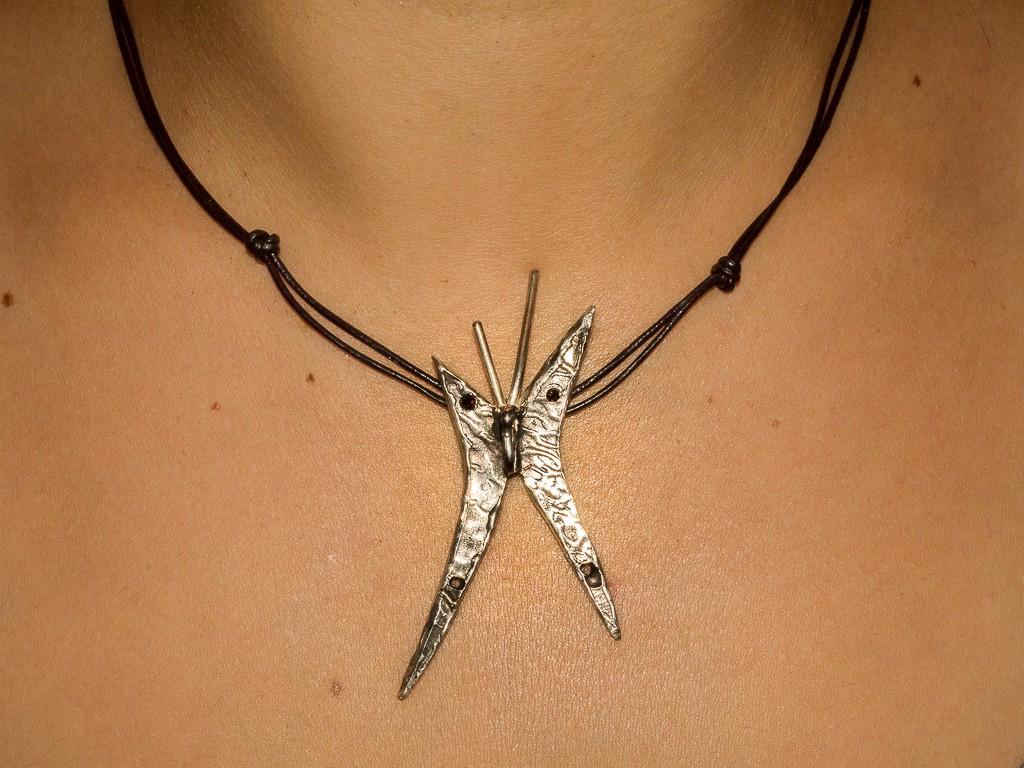 El Trebol De 4joyeria De Autor Colgante Modelo Mariposa