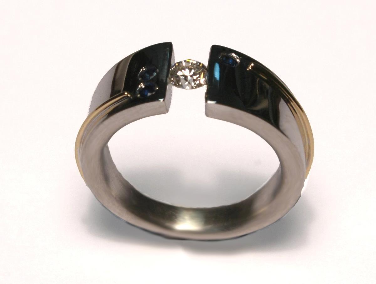 El-trebol-de-4-joyeria-de-autor-anillo-zafiro-diamantes-oro-plata