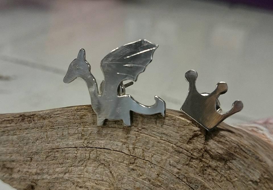 el-trebol-de-4-joyas-de-autor-pendientes-plata-dragon-corona
