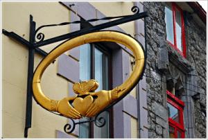 Galway - 1 Quay Street - Claddagh Gold