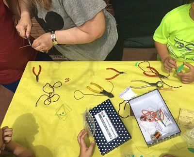 Taller joyas artesanales para niños y niñas